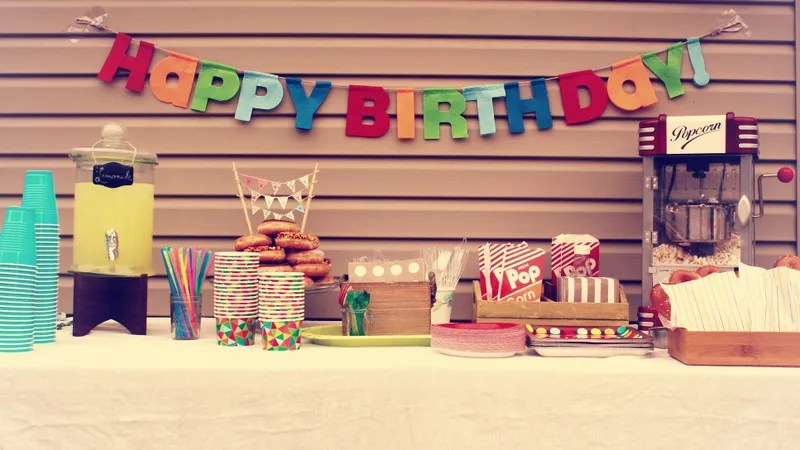 Be the Parent Who Puts \u0027No Gifts\u0027 on Your Kid\u0027s Birthday Party Invite