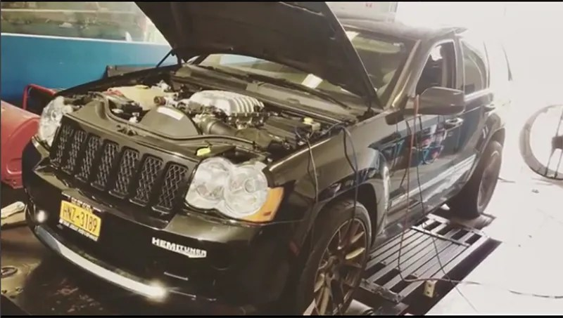 Someone Made Their Own Jeep Grand Cherokee Hellcat And Holy Crap Is