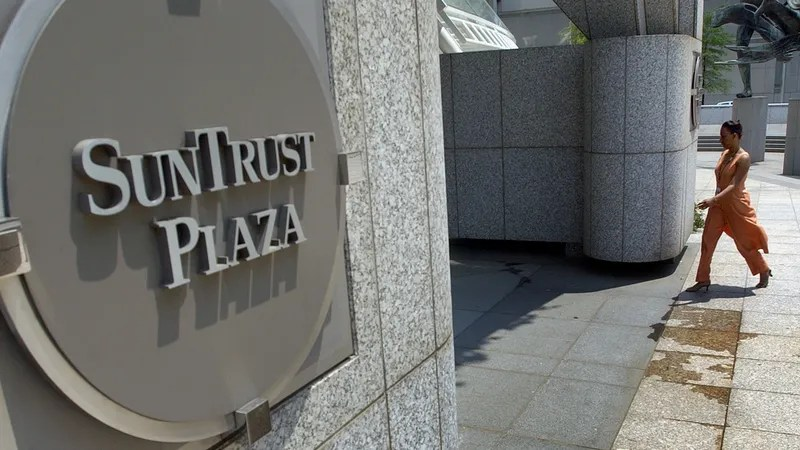 SunTrust Bank Says Employee May Have Stolen 15 Million Customers