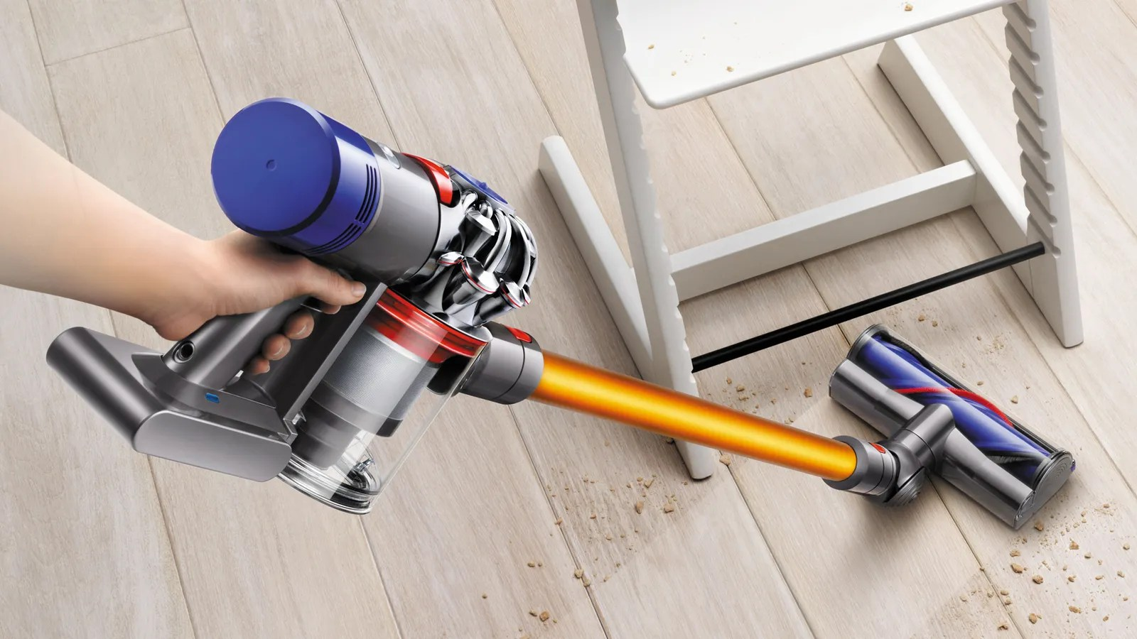 Aspirateur Dyson V8 Absolute Dyson Just Fixed Everything Wrong With Its Cordless Vacuum