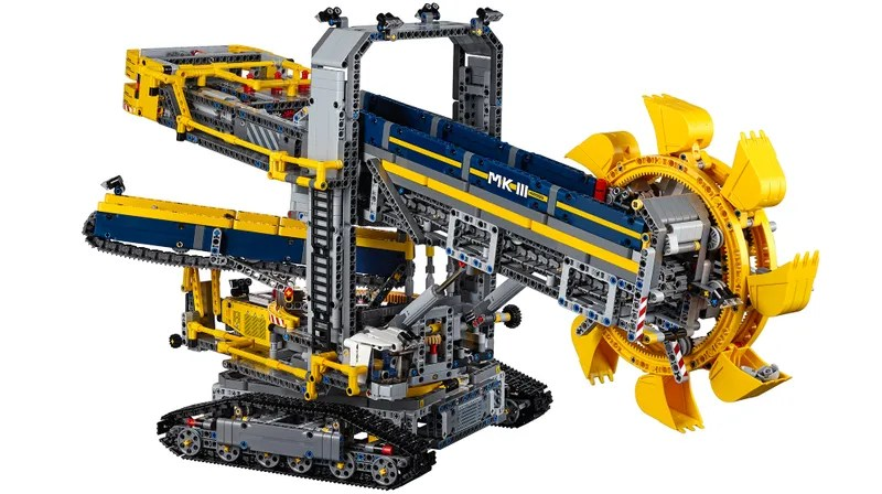 Lego\u0027s Largest Technic Set Can Dig a Moat Around Your Home