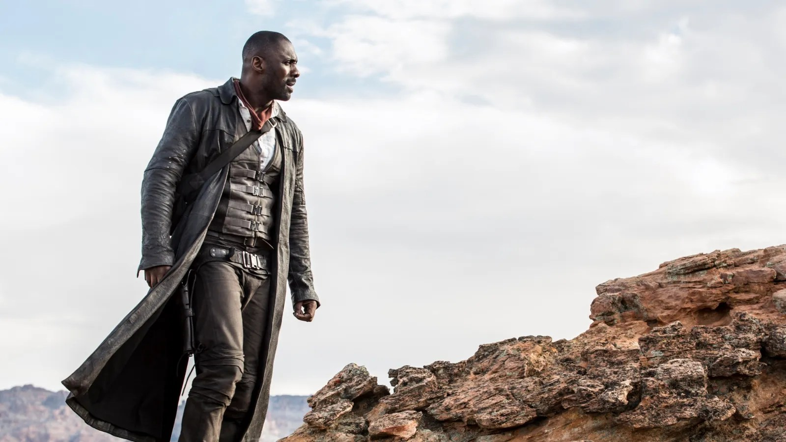 Idris Elba Films Dark Tower Scenes With Tom Taylor As Jake We Have Seen The First Footage From The Dark Tower