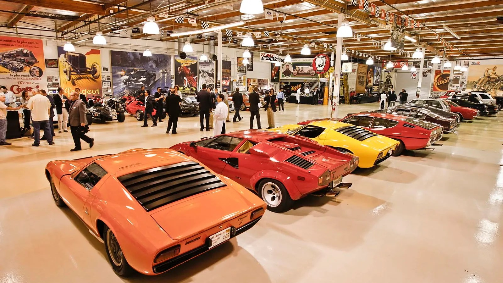 Garage Automobile Tours Burbank Envy A Glimpse Inside Jay Leno S Garage