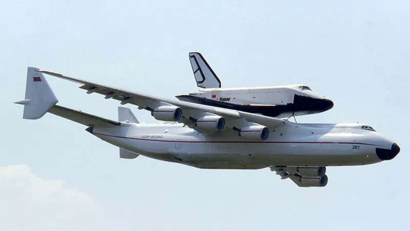 The World\u0027s Largest Cargo Plane Can Swallow a 737 Whole