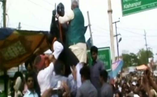 Lohia Statue Washed After Being Garlanded by Ex-Chief Minister Jitan Ram Manjhi