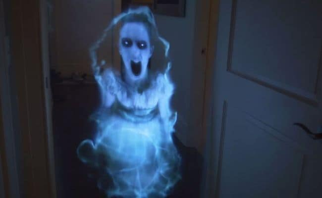 Scary Little Girl Wallpaper This Well Executed Ghost Prank Is What Nightmares Are Made Of