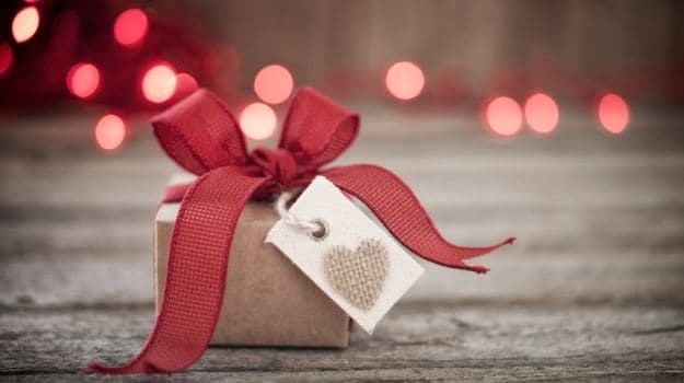 5 Valentines Day Gift Ideas for Her or Him - NDTV Food