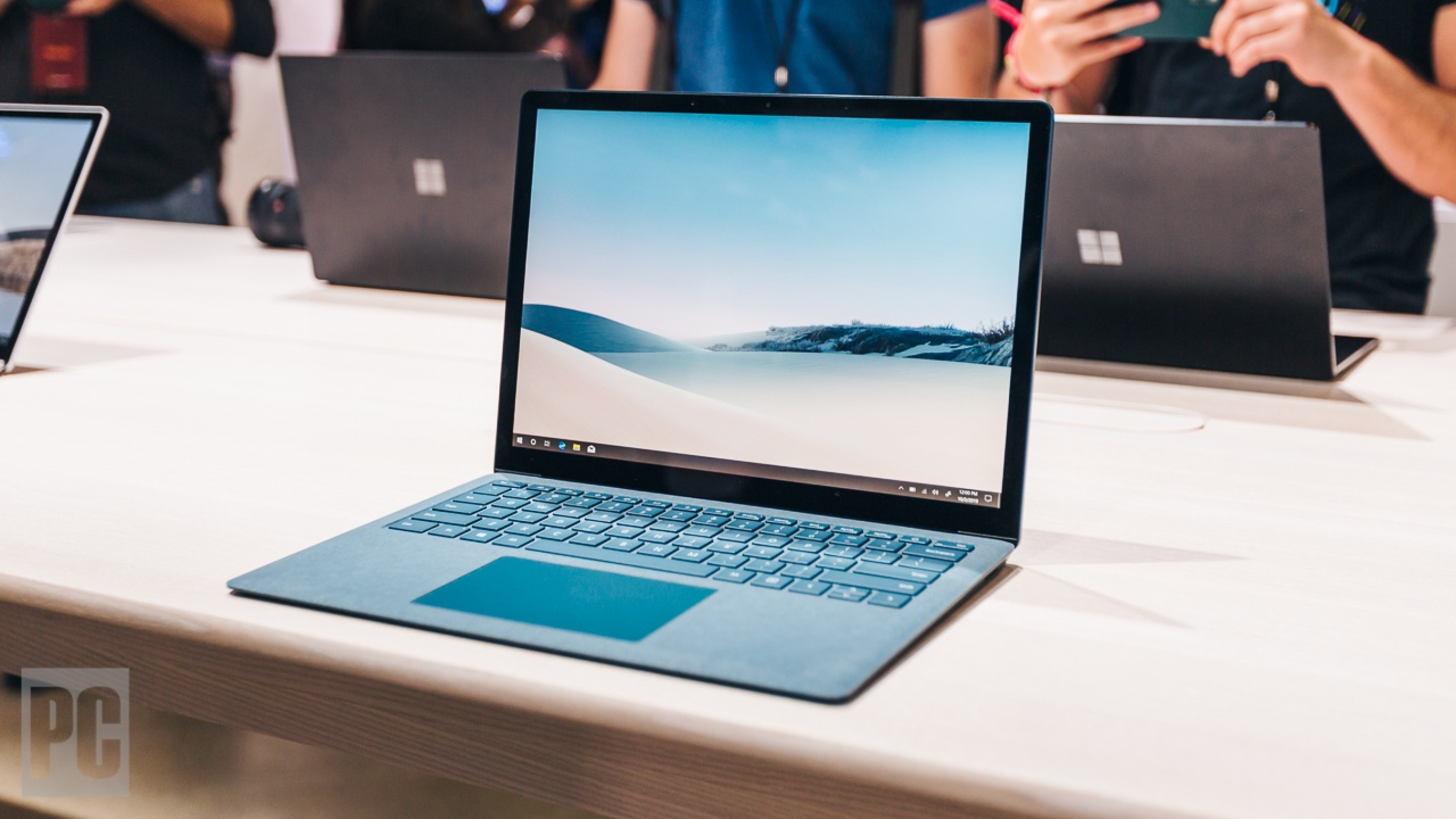 Microsoft Surface Laptop 3 Vs Apple Macbook Air Which Slick - Laptop Apple