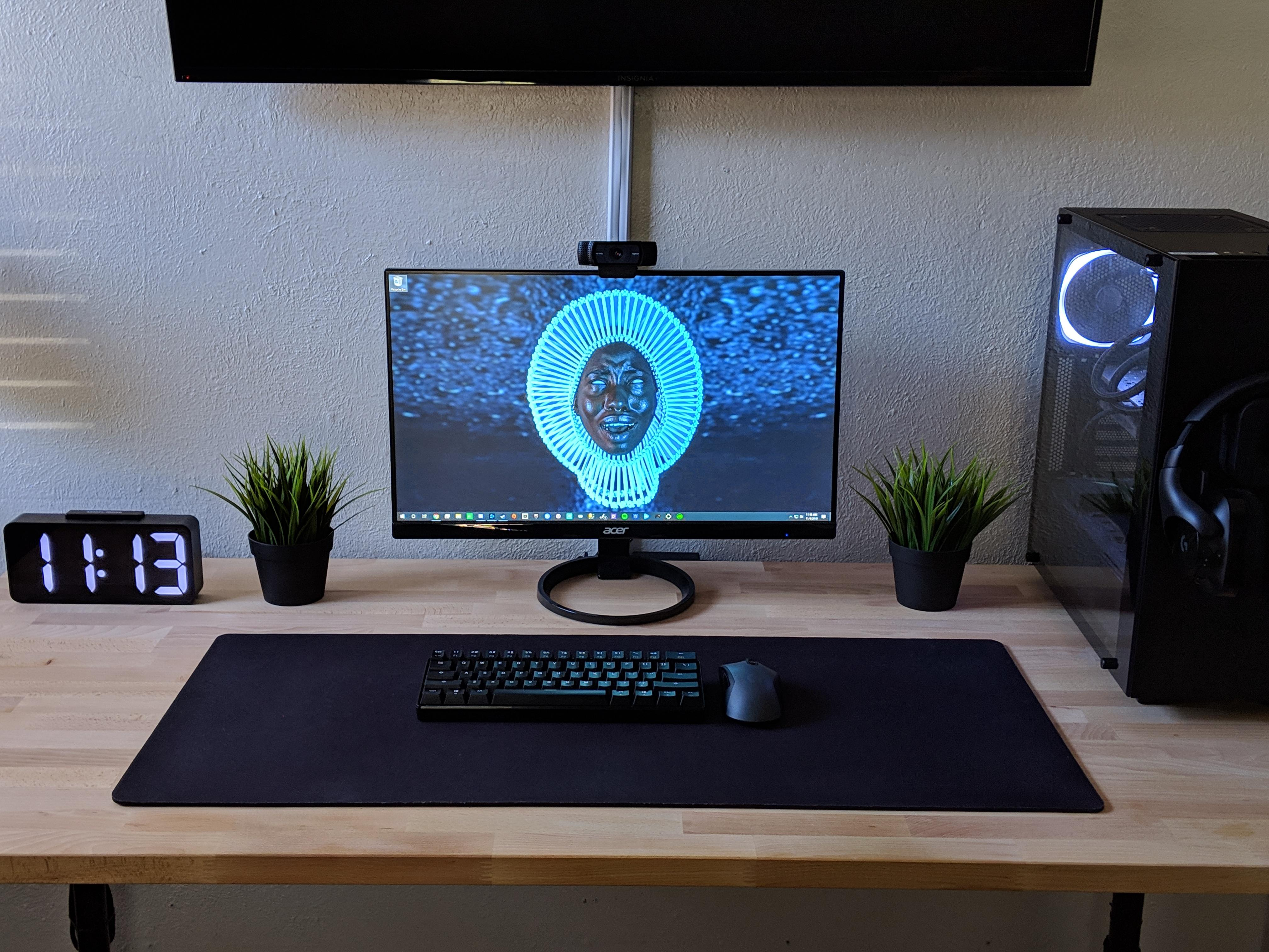 Linnmon No More Linnmon Desk Battlestations