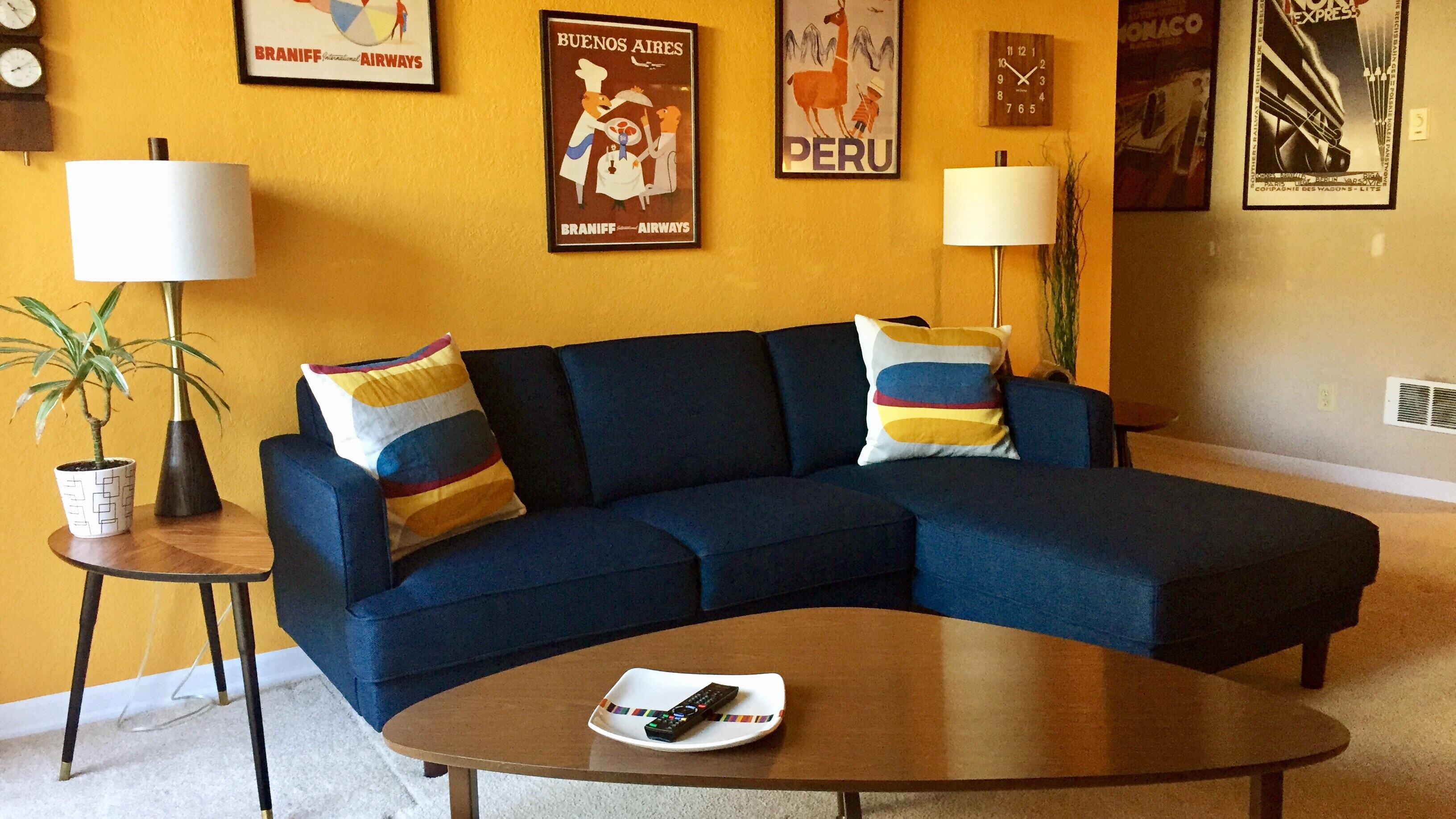 Sofa Couch Reddit Was Nervous About A Blue Sofa But Loving It Now Malelivingspace