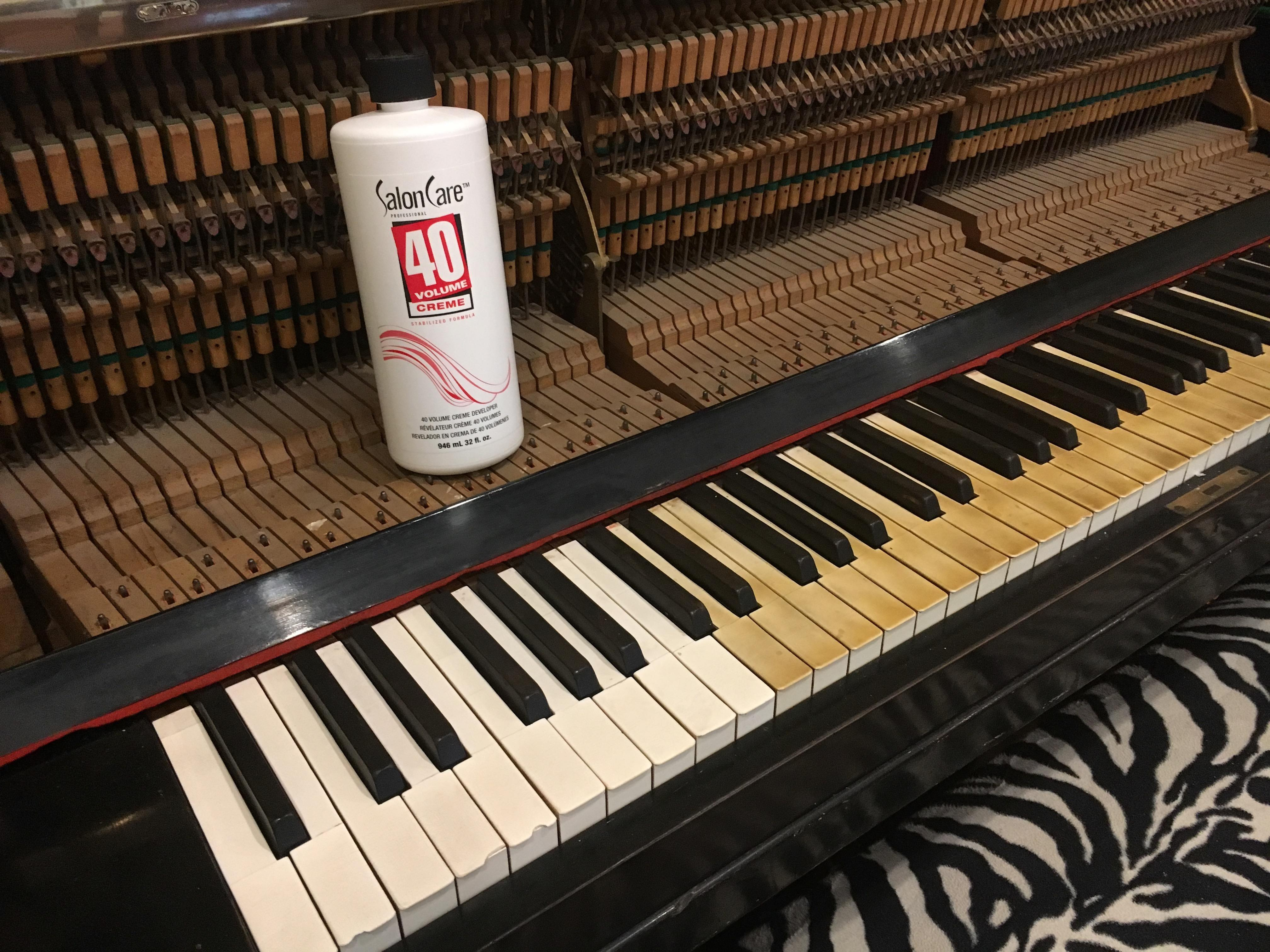 Salon Creme I M Cleaning Up The Keys Of My Old Piano Using Salon Care 40