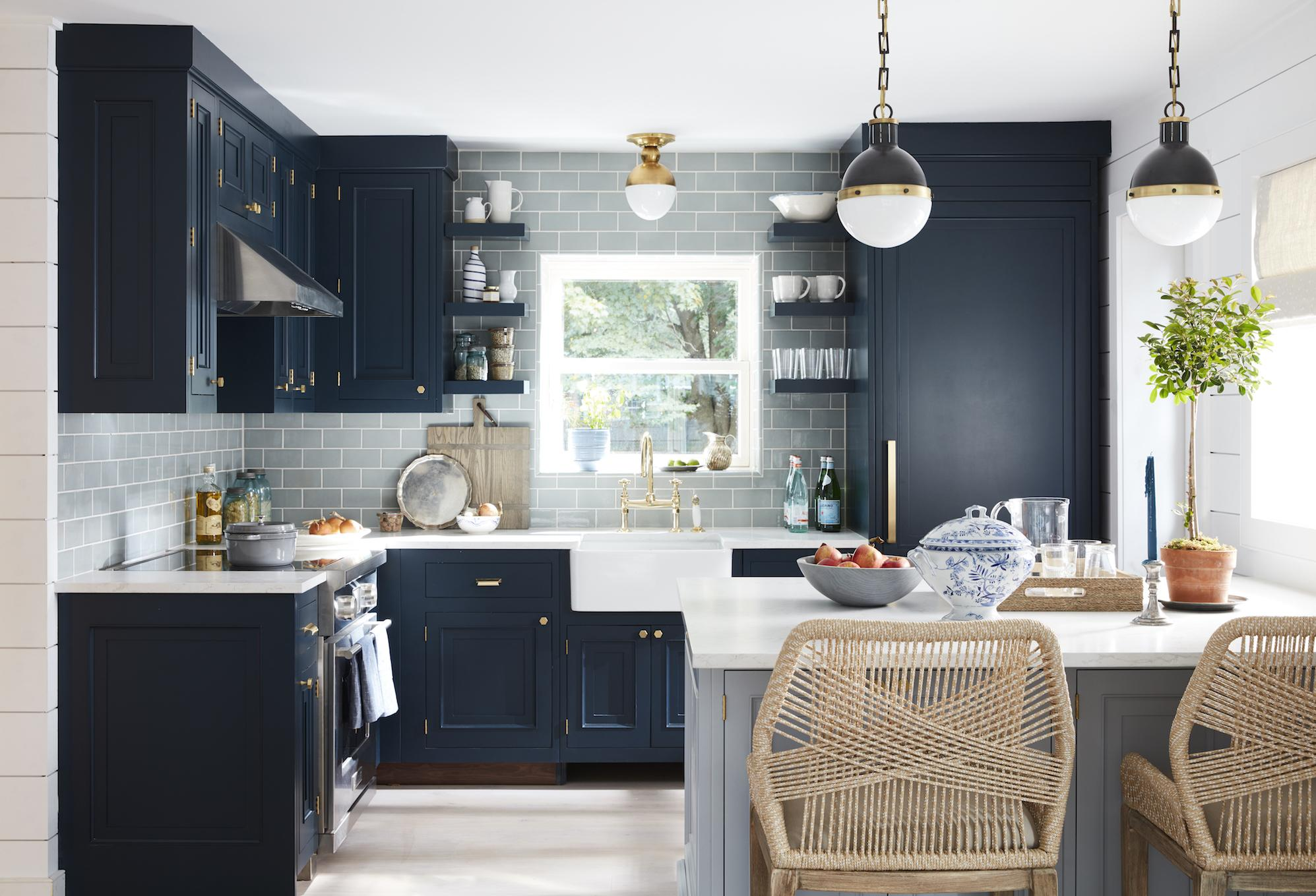 Hamptons Kitchens Cool Blues And Greys Adorn This Ocean Inspired Kitchen In The