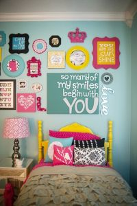 31 Gallery Walls Ideas With Coloful Frames - Shelterness