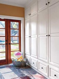 32 Small Mudroom And Entryway Storage Ideas - Shelterness