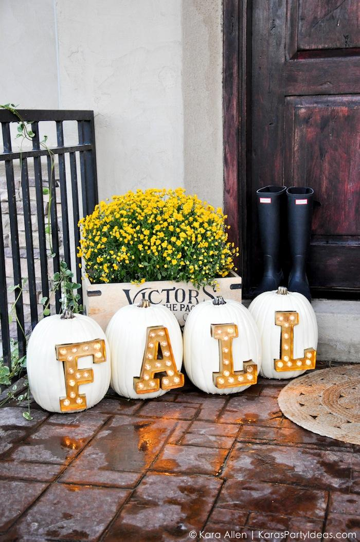 7 DIY Marquee Letters And Signs For Fall And Holidays