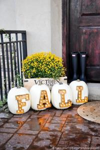 7 DIY Marquee Letters And Signs For Fall And Holidays ...
