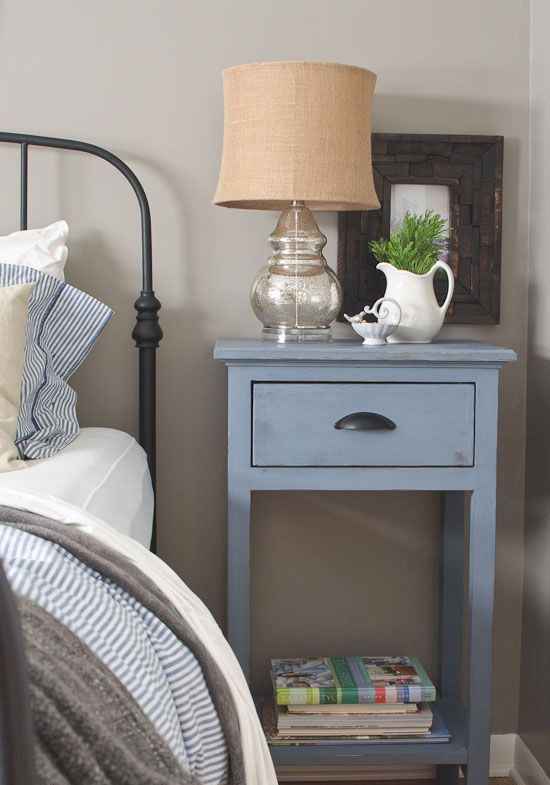 Round Bed Ikea 27 Tiny Nightstands For Small Bedrooms - Shelterness