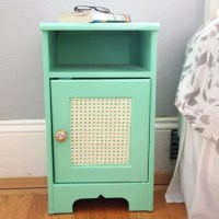 8 Cute DIY Women Nightstands - Shelterness