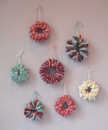 70 DIY Felt Christmas Tree Ornaments - Shelterness - felt christmas decorations