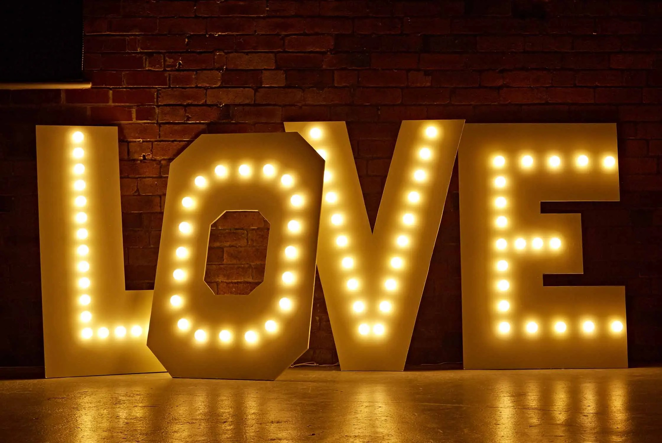 Diy Bank Holiday Offers Diy Marquee Love Letters Lights4fun Co Uk