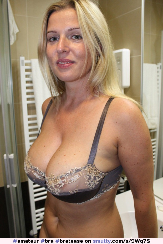 milf cleavage with glasses