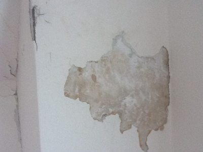 walls - How can I tell if I have rock or wood lath plaster, and is there a difference when ...