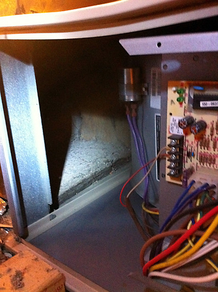 hvac - Where should my furnace filter go in a Lennox G40UHX series