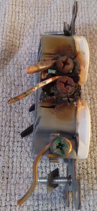 wiring - Melted white wire terminals? - Home Improvement Stack Exchange