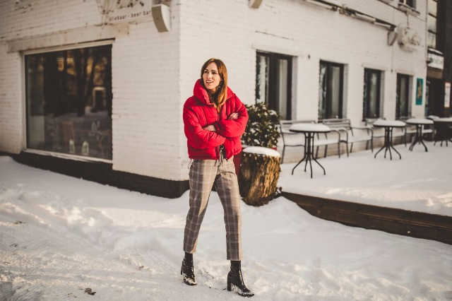 15 Cozy Outfits With Crop Puffer Jackets Styleoholic