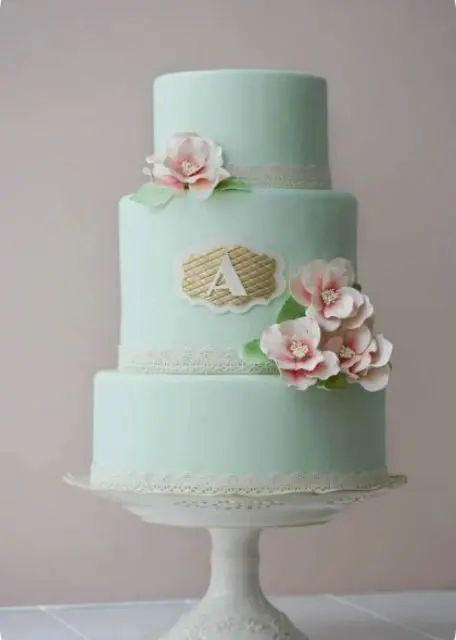 21 unique monogrammed wedding cakes