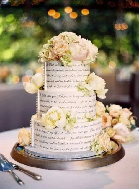 Everything Everything Libro 39 Chic Book-themed Wedding Ideas - Weddingomania