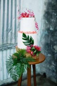 33 Beautiful And Yummy Tropical Wedding Cakes - Weddingomania