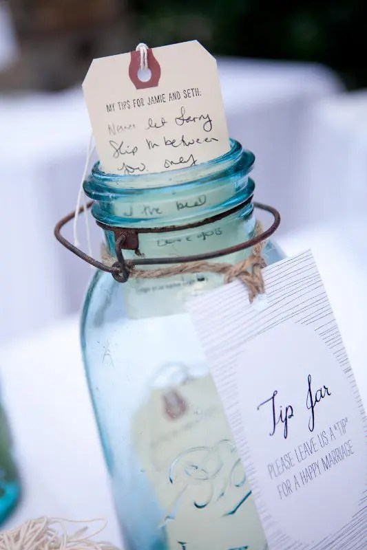 35 Non-traditional And Creative Wedding Guest Book Ideas - Weddingomania - guest books wedding