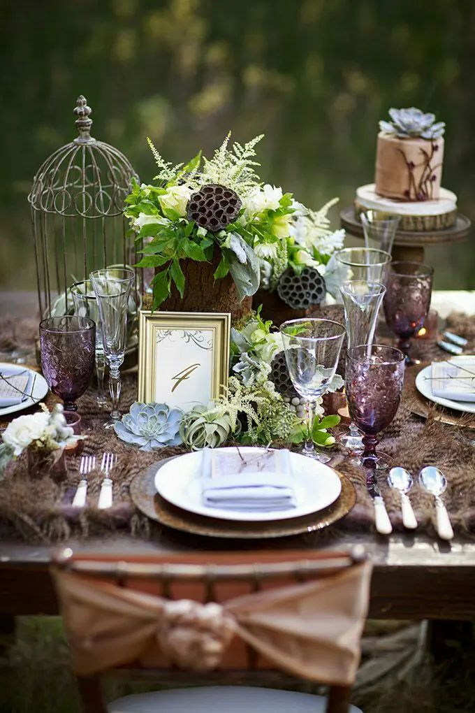 Picture of dreamy woodland wedding table decor ideas 28