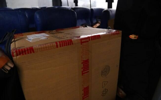 Malotes com documentos de detidos na Operação Lava Jato apreendidos pela PF em 14 de novembro