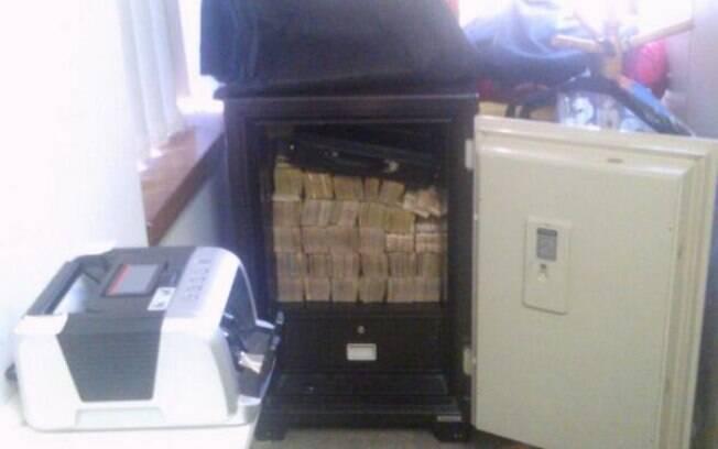 PF apreendeu grande quantidade de dinheiro em cofre na cidade de Londrina, no Paraná