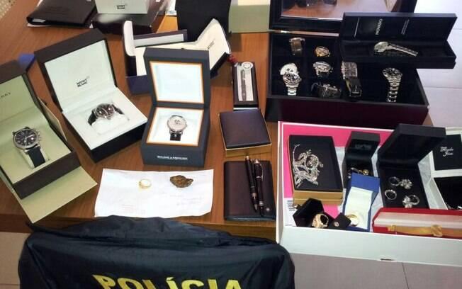Entre os crimes investigados estão contrabando de pedras preciosas e desvios de recursos públicos