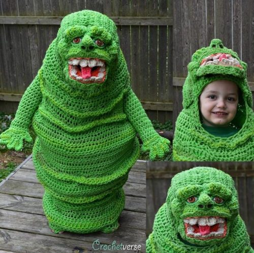 Mom crochets badass glowinthedark Slimer costume for her son