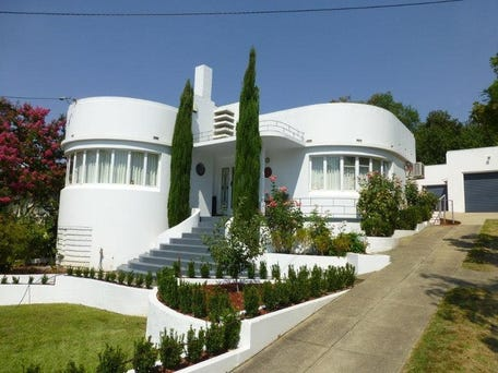 Inside an Eclectic Art Deco Miami Home Canvases, Art deco and House - facade de maison moderne