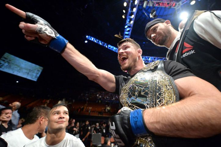 http://i0.wp.com/i1.mirror.co.uk/incoming/article8117253.ece/ALTERNATES/s1023/Michael-Bisping-of-England-celebrates-with-his-title-belt.jpg?resize=723%2C481