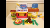 Play-Doh Meal Makin' Kitchen How to Make Play-Doh Pizza ...