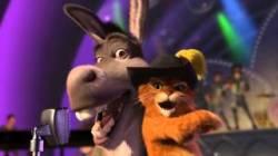Video Donkey And Puss In Boots Livin' La Vida Loca