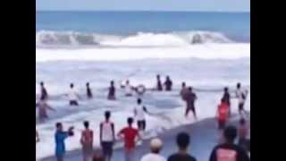 Patung Sunan Giri Kekuasaan Allah Youtube Tragedi Pantai Bocor Kebumen Freesaptutorial