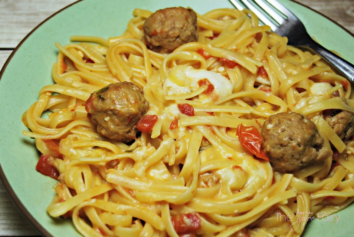 One Pot Meal: Tomato Rosemary Linguine with Meatballs & Mozzarella | The TipToe Fairy #PastaFits #MC #Sponsored #italianrecipes #pastarecipes