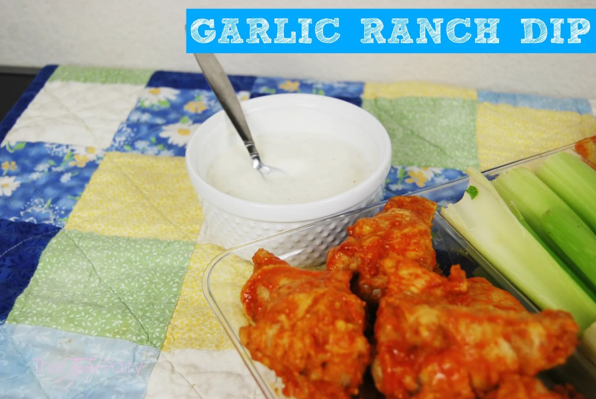 Garlic Ranch Dip for Wings | #wingsandwipes #pmedia #ad #diprecipes #garlicranch #ranch