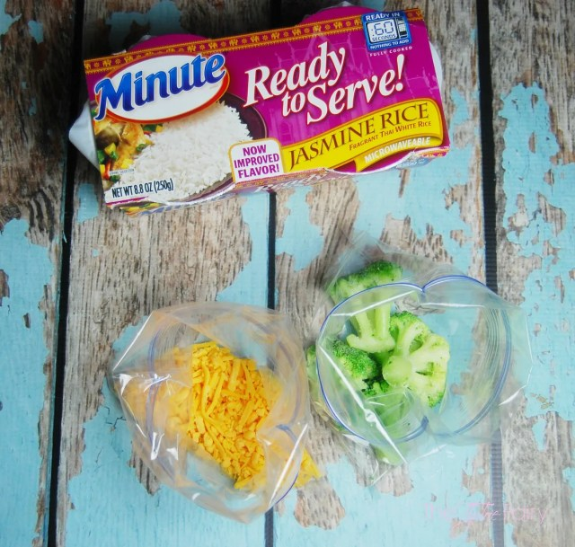 AD: Cheesy Broccoli Rice Casserole for One! Make a fresh and delicious meal in the microwave in less than 5 minutes. Perfect for lunch or a snack! | The TipToe Fairy #minutesnacks