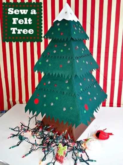 So Sew Easy Christmas in July Felt Ornaments - Easy Felt Snowman | The TipToe Fairy #christmasinjuly #christmasornaments #ornamenttutorials #tutorial