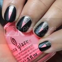 Graphic party nail art