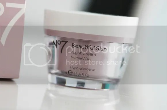 Boots No7 Beautiful Skin Dag- en Nachtcreme