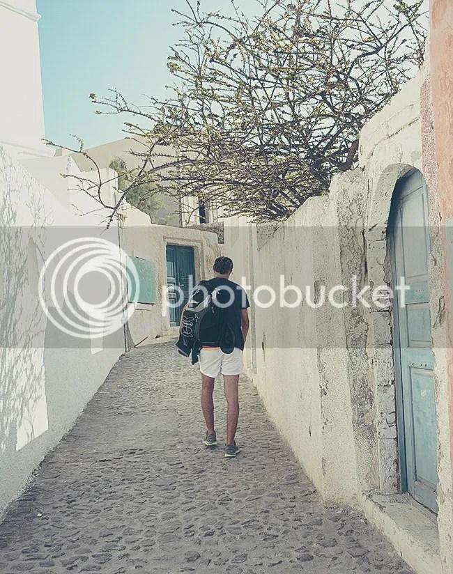 Walking the setreets of Oia, Santorini